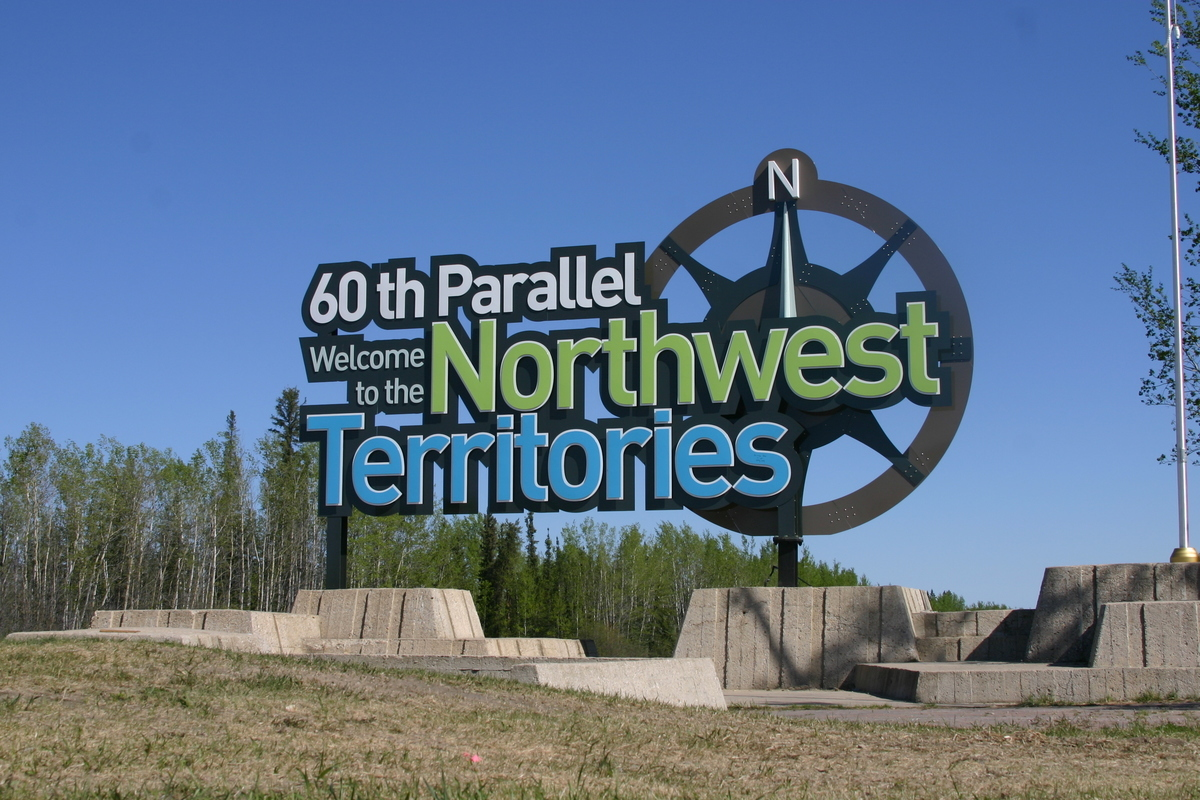60th parallel sign
