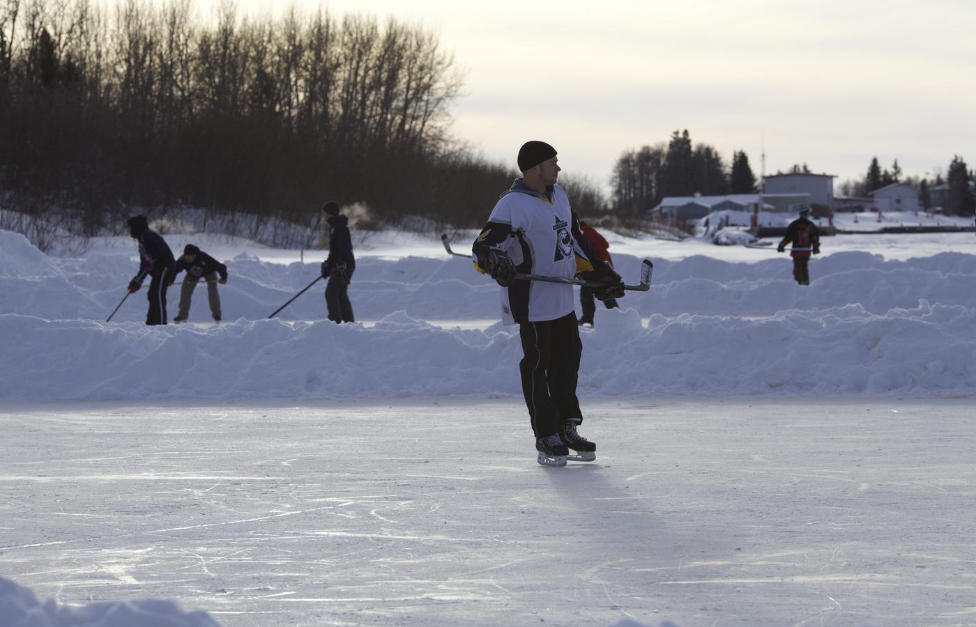 polar pond hockey