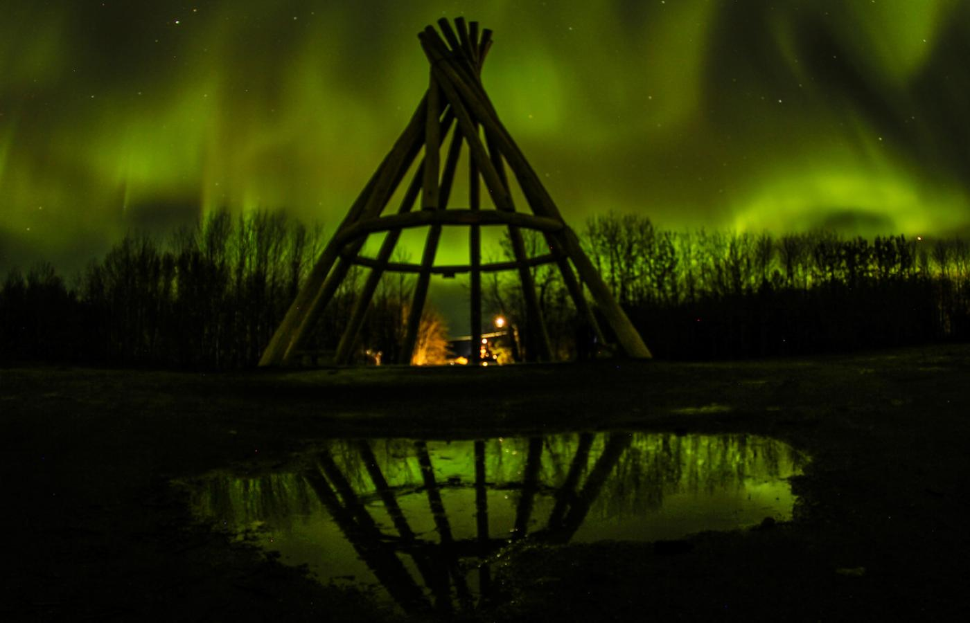 Fort Simpson home to world's tallest wooden teepee